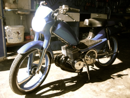 clean-double-engine-moped